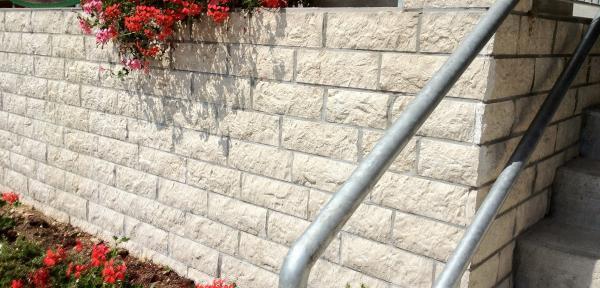 Pietra bianca per rivestimenti esterni cemento armato precompresso - Rivestimenti per esterno in pietra ...